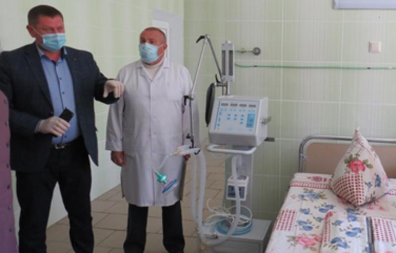 Апарат штучної вентиляції легень коштує близько пів мільйона гривень