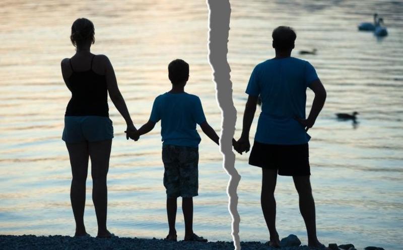 Після розірвання шлюбу колишнє подружжя ділить не тільки спільне майно, а й судиться за опіку над дітьми
