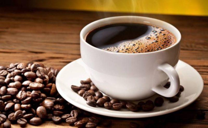 Якщо кава на вас сильно діє, від неї калатає серце, вам тривожно, пересихає в роті і пропадає сон — не пийте каву