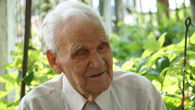 Сигізмунд Іванович стверджує, що у його довголітті немає особливого секрету