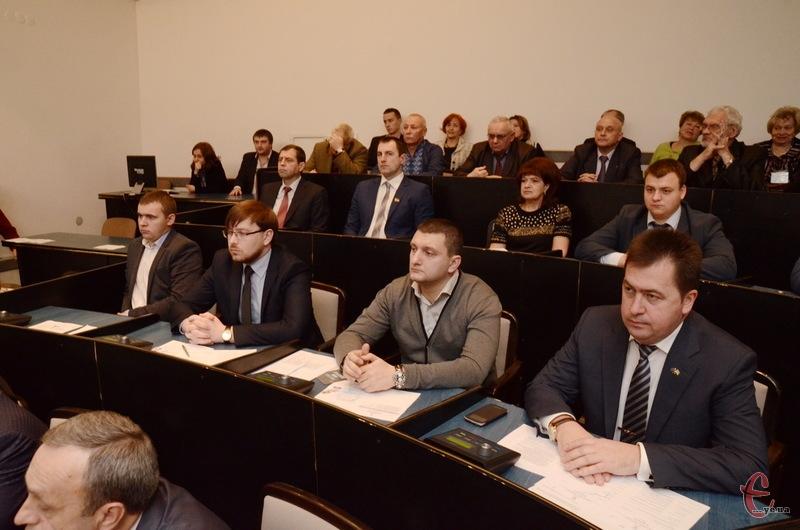 У Хмельницькій міській раді сьомого скликання 42 депутати