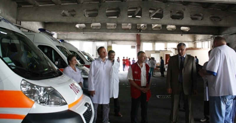 Три автомобілі швидкої допомоги, вартістю майже 1,3 мільйона гривень, були придбані для обслуговуваня селян області