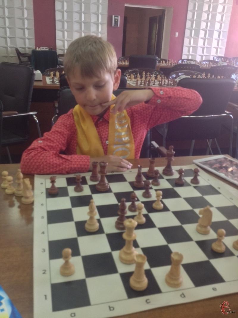 Сашко почав грати у п'ять років
