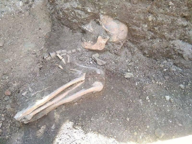 У похованні знайшли скроневі підвіски