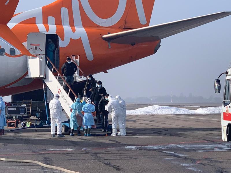 На борту літака перебували 45 українців та 27 іноземців, а також 22 членів екіпажу та лікарі