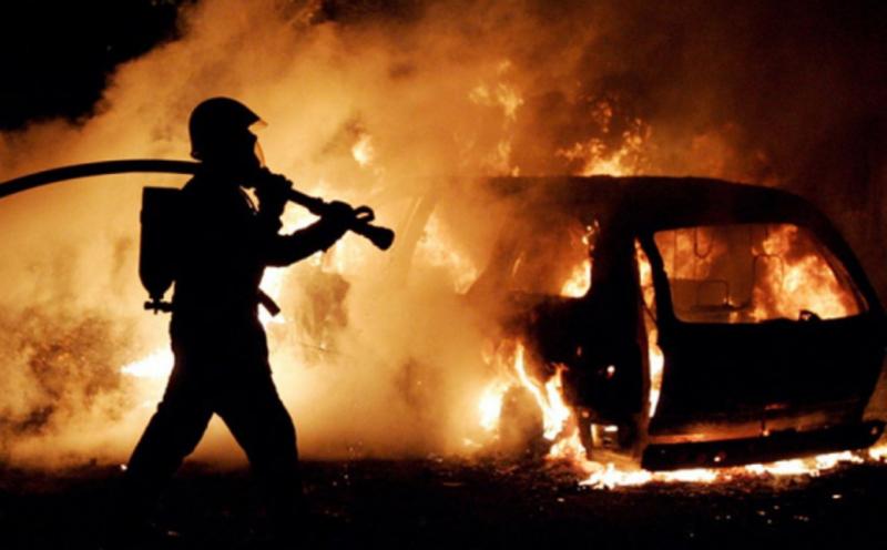 Рятувальники серед ночі тушили  «BMW»