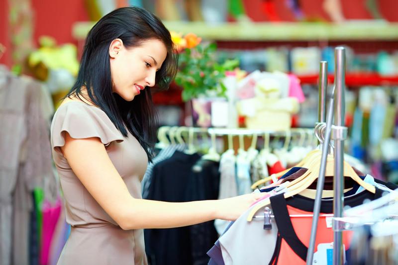 У період таких сезонних розпродажів, окремі магазини та бренди вирішують позбутися товарних залишків, а тому можуть пропонувати знижки до -80%