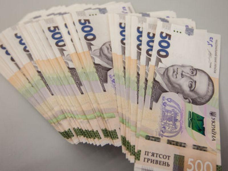 На Хмельниччині, купуючи товари через інтернет, громадяни перерахували шахраям 98 тисяч гривень