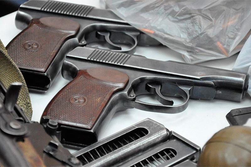 Працівники військової служби правопорядку затримали 23-річного військового зі зброєю