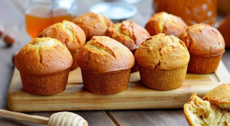 Оригінальні кекси спеціально для тих, кому хочеться спекти що-небудь смачненьке до чаю, забувши про яйця і вершкове масло.