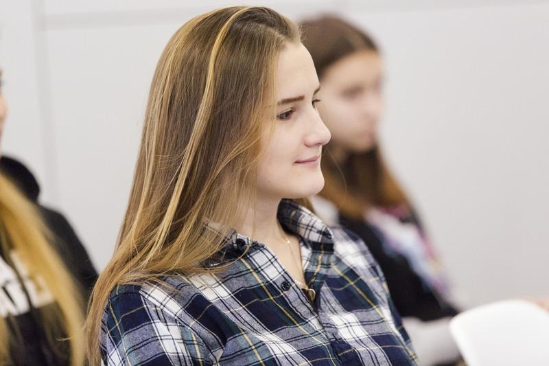 STEM IS FEM – освітній проєкт популяризації STEM-спеціальностей серед дівчат