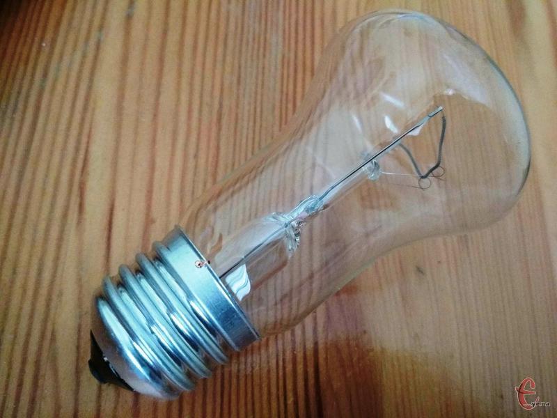 Світла у помешканях хмельничан не буде впродовж семи годин