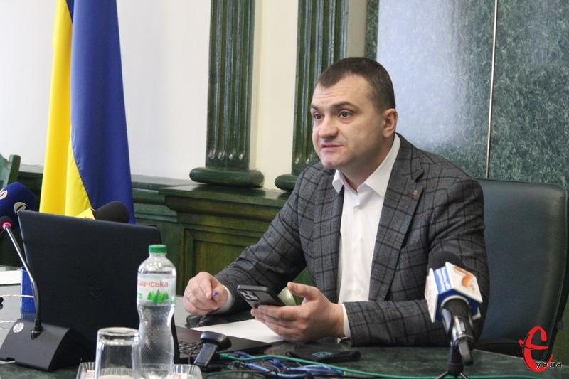 Міський голова днями підписав розпорядження про відзначення 12 представників молодіжного руху Хмельницького