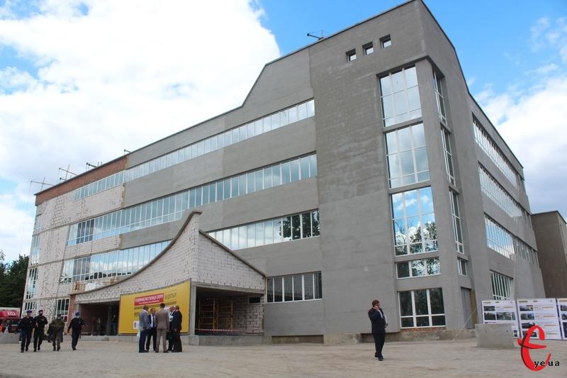 Завдяки державному фінансуванню заплановано прискорити спорудження Палацу спорту