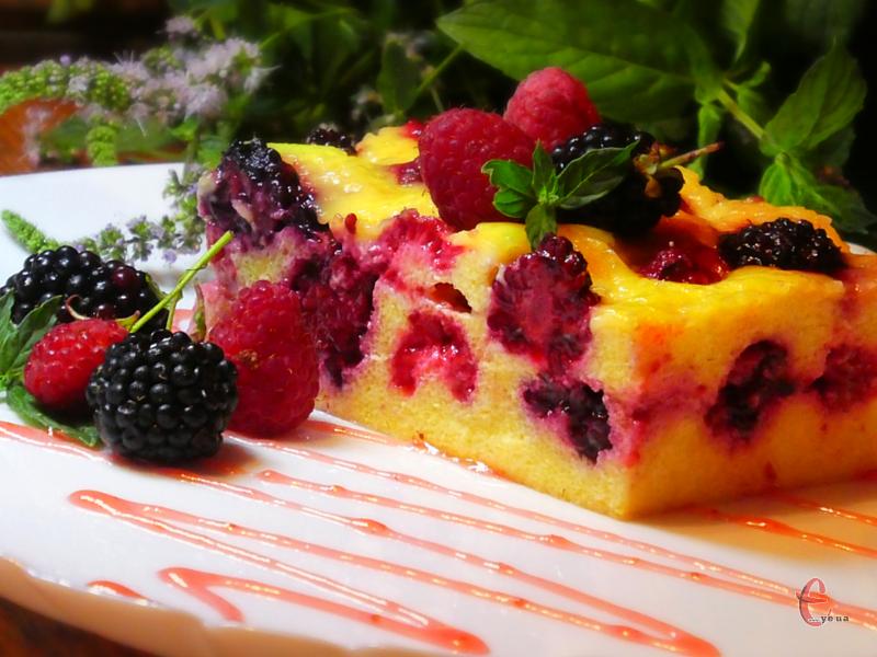 Легкий, ніжний, повітряний сирний смаколик із ваніллю і ягодами – ідеально підійде для сніданку!