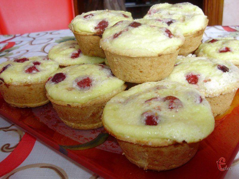 Замість вишні можна використовувати будь-які ягоди, навіть із варення, а також сухофрукти.