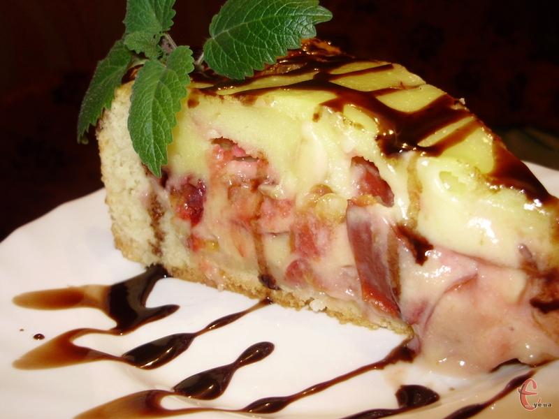 Цей рецепт за мотивами «Цвєтаївського» яблучного пирога. Виник у моїй голові спонтанно, але оселився у серці надовго.