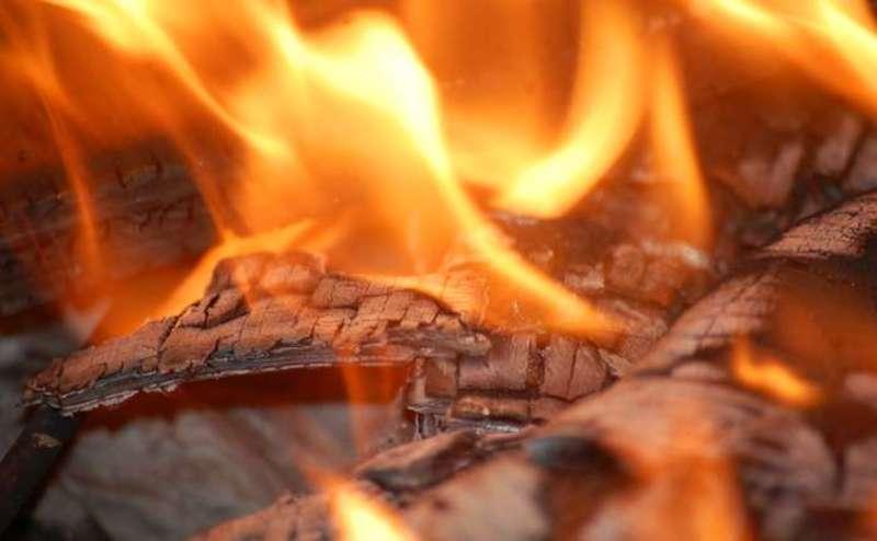 Бабуся жила одна й пожежу побачили вже зранку