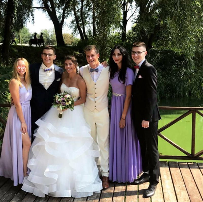 Сьогодні своє весілля святкують відомі легкоатлети