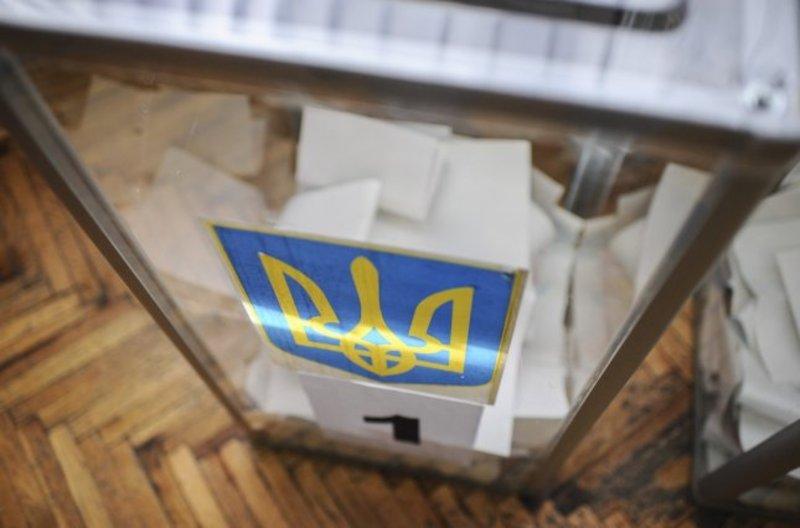 Перші місцеві вибори сьогодні відбудуться в 13 областях України
