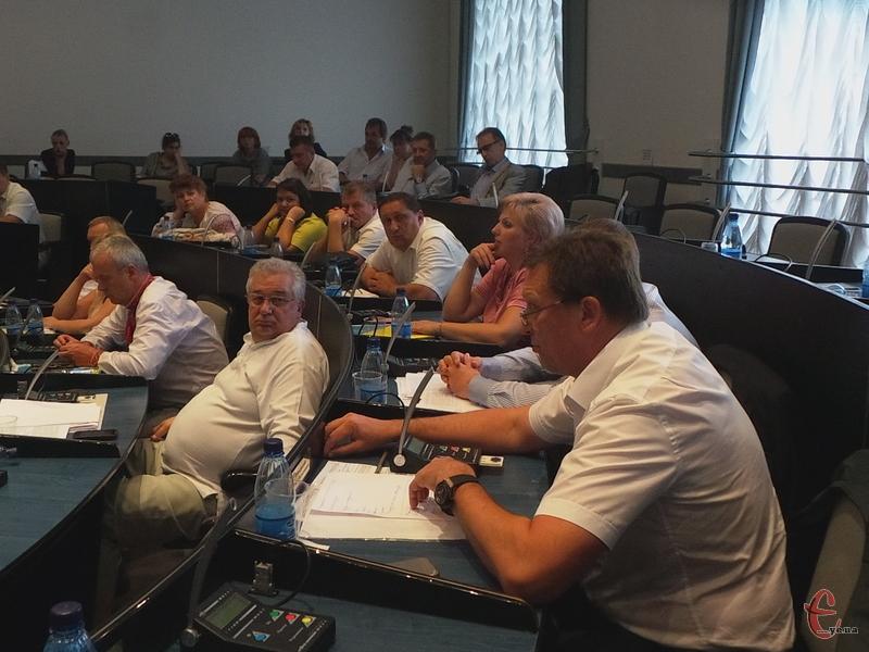 Депутат Хмельницької міської ради каже, що має усі дозволи на прибудову