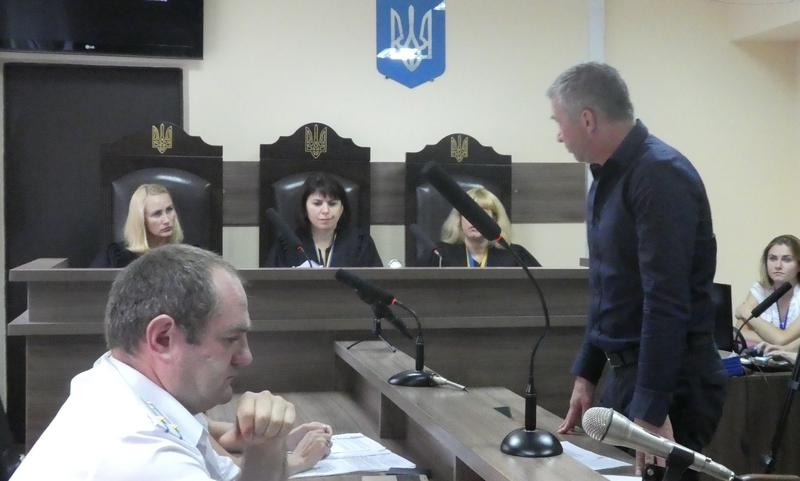 Суд перенесли не розпочавши засідання.