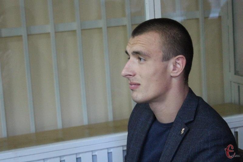 Депутат Віктор Бурлик каже, що готовий відповісти за пошкдоження майна, а не за хуліганство