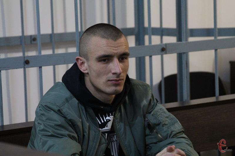 Віктор Бурлик сьогодні майже мовчав. На запитання судді відповідав: Підтримую думку свого захисника