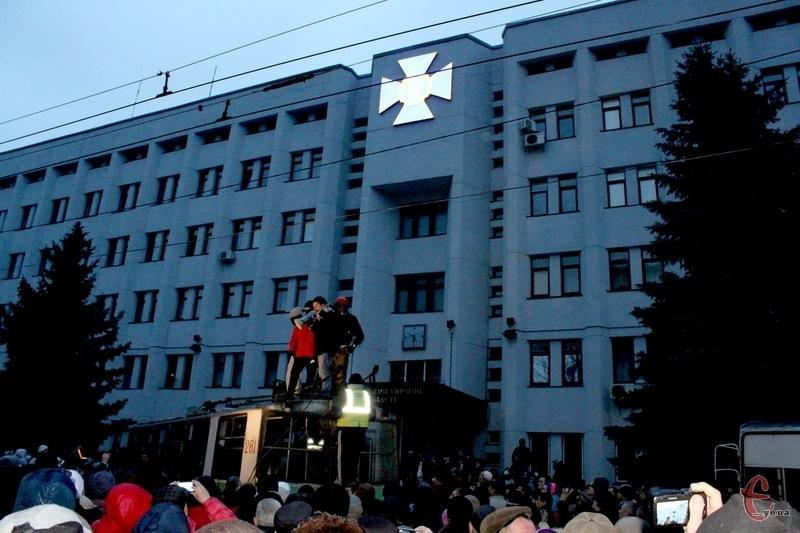 19 лютого 2014-го року в активістів Революції Гідності у Хмельницькому стріляли з приміщення управління СБУ