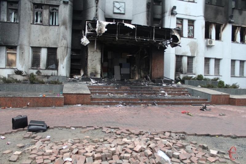 Справу розстрілу протестуючих під Хмельницькою СБУ в лютому 2014-го року, якою раніше займалося управління спецрозслідувань, передають на розгляд військовій прокуратурі.