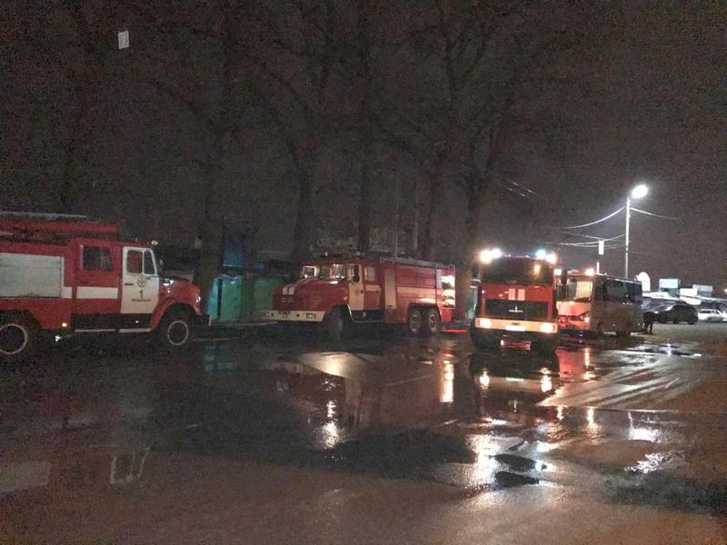 До ліквідації пожежі були задіяні 21чоловік особового складу на 6 одиницях пожежної та спеціальної техніки