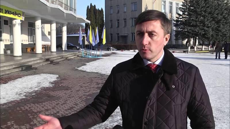 Запитати в Сергія Лабазюка про обшуки не вдається. Його телефон вимкнений