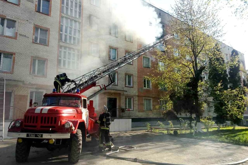 Пожежа сталася у гуртожитку на вул. Тімірязєва, 114а