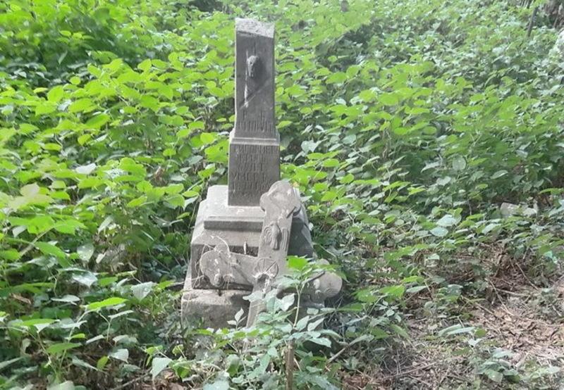 Наразі на православному секторі описали вже майже тисячу могил