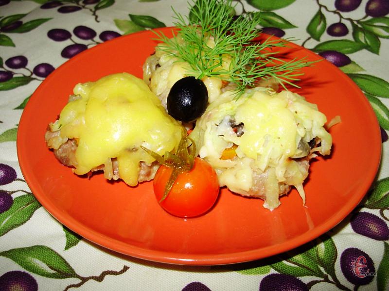 Котлетки виходять дуже соковитими внаслідок додавання картоплі та йогурту.