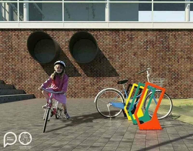 Такі велопарковки до кінця літа мають бути встановлені майже у всіх школах міста.