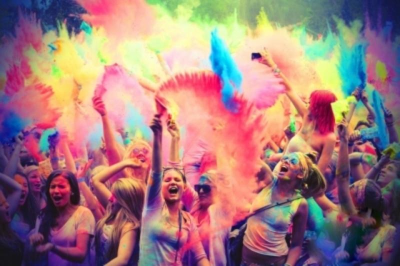 Фарби-холі розфарбують Кам'янець-Подільський 1 вересня