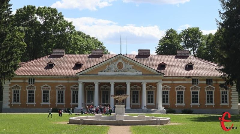 5 серпня 1997 року створено Державний історико-культурний заповідник «Самчики»