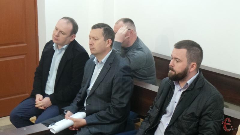Триває розгляд провадження щодо чотирьох екс-посадовців органів прокуратури Тернопільської області й адвоката