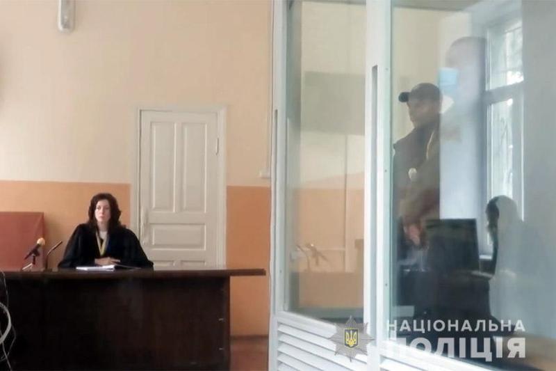 Суд взяв під варту зловмисника, який підозрюється у вбивстві 21-річного юнака в центрі Хмельницького