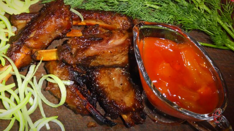 Пікантні, соковиті й трішки солодкуваті, м'ясо буквально можна їсти губами, а зверху рум'яна апетитна скоринка!