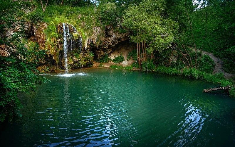 Фото водоспаду і лагуни між селами Лисець та Велика Побійна визнане кращим від Хмельниччини