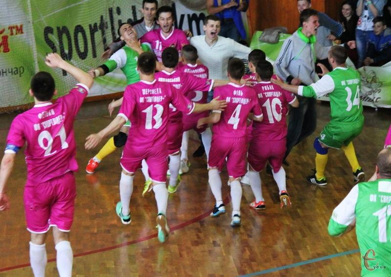 Історичний момент – хмельницька команда Спортлідер+ здобуває путівку до фіналу чемпіонату України серед команд Екстра-ліги