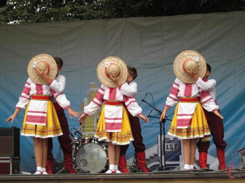 Фестиваль відбувається раз в два роки
