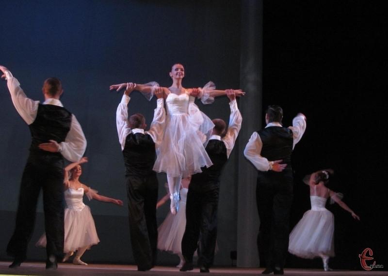Балет театру Старицького на чолі із Олександром Шиманським готують постановку повноцінного балету