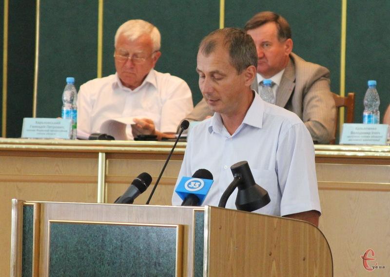 За словами директора департаменту освіти і науки Хмельницької облдержадміністрації Олега Фасолі, поки що не в усіх районах області школи забезпеченні вугіллям
