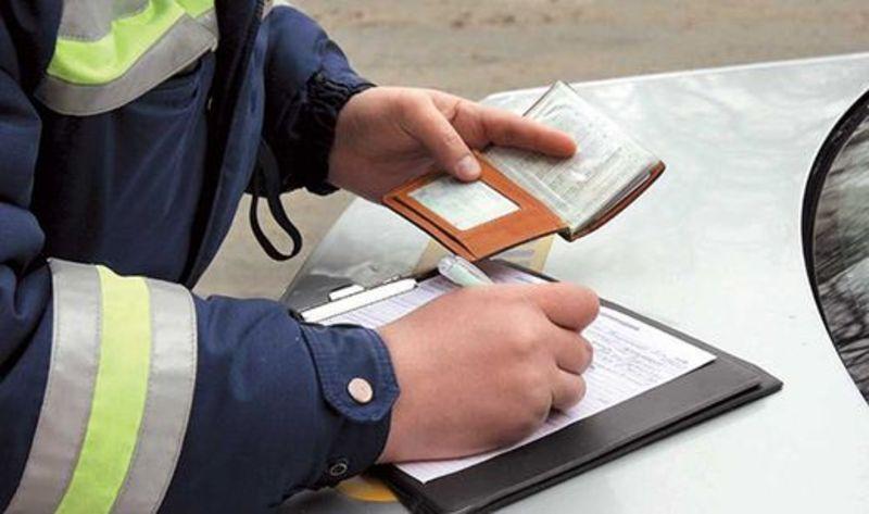 Щодо міліціонера-правопорушника склали адміністративний протокол за керування транспортним засобом без водійського посвідчення