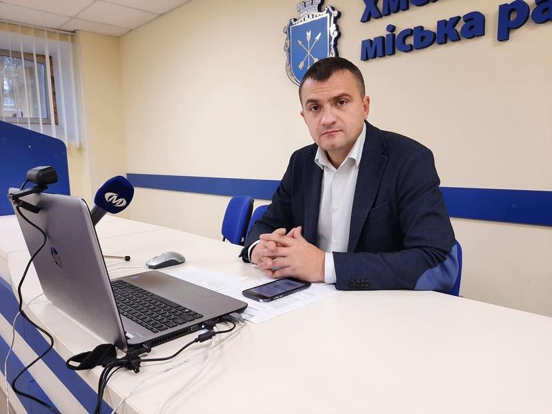 Вперше Олександра Симчишина хмельничани обрали міським головою у листопаді 2015 року