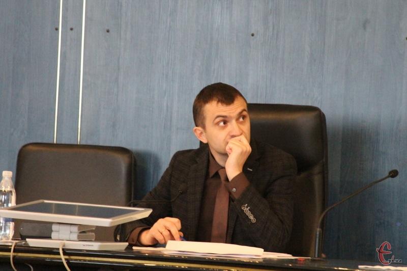 Олександр Симчишин каже, що йому не зрозуміло, чому в Південно-Західній тепломережі швидкими темпами зростають збитки