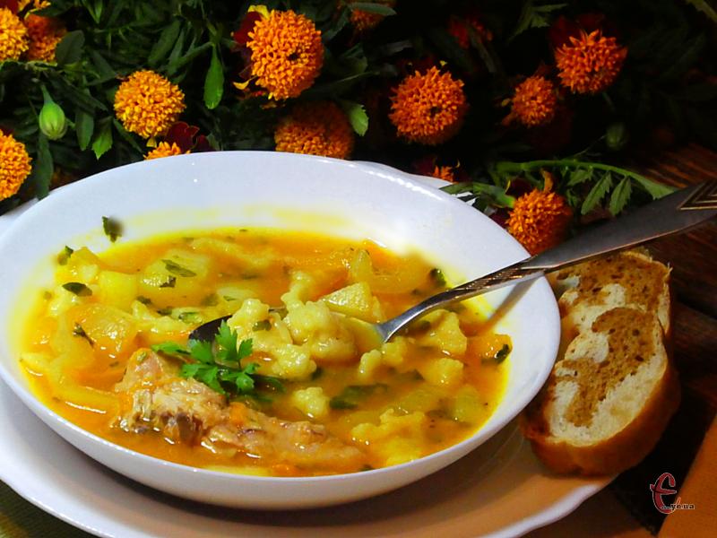 Легка й смачна перша страва. Готується дуже просто, а смак приголомшливий!